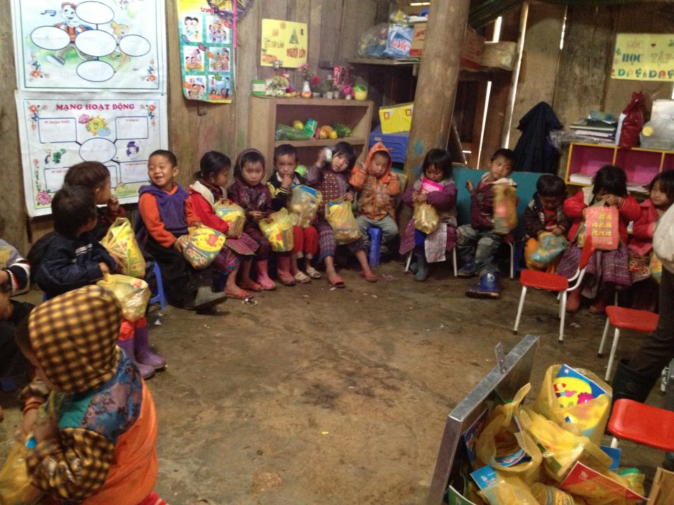 Mai Chau Ecolodge coordinates to implement the project - Building School For Pupils 01